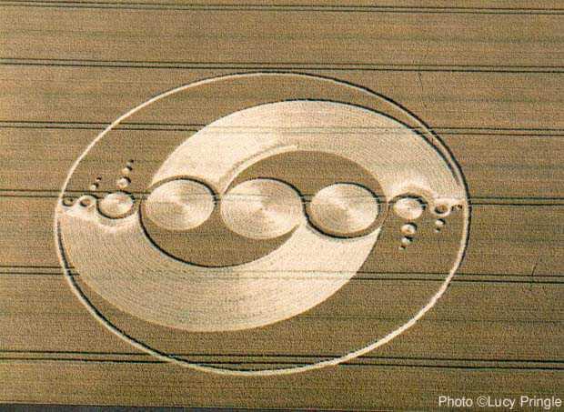 2002年7月28日麦田怪圈图片