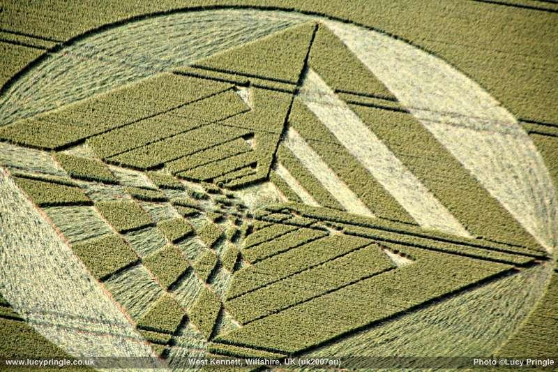 2007年6月27日麦田怪圈图片