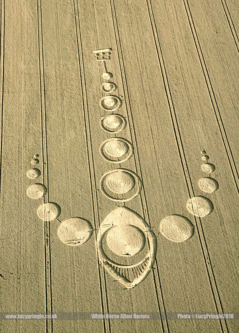2010年7月25日麦田怪圈图片